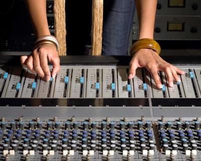 Rozhovor v Rádiu FM a pieseň Avalanche
